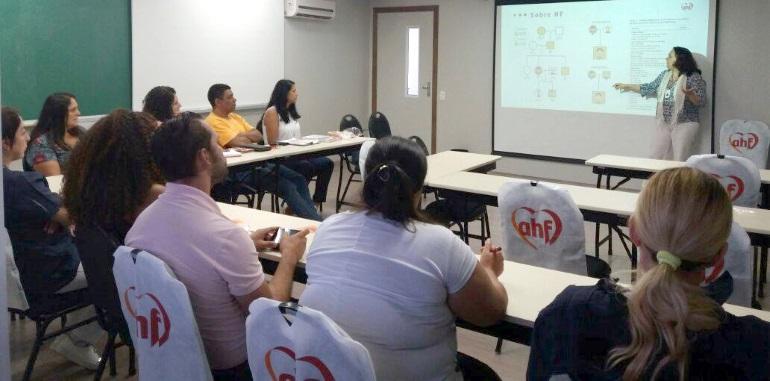 Profissionais e gestores da saúde de Mauá recebem orientações sobre HF